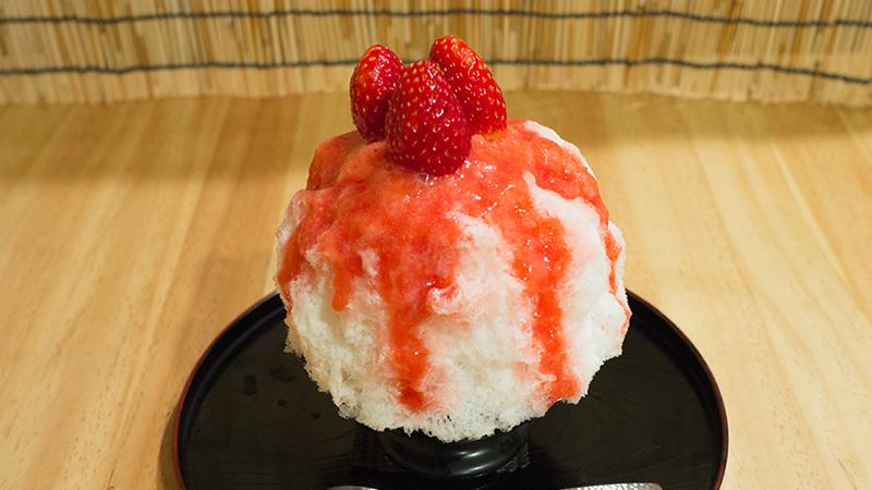 いちごの杏仁 かき氷 椛屋